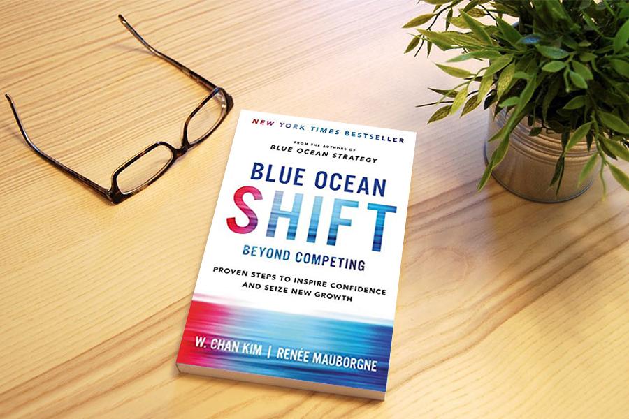حرکت بهسوی اقیانوس آبی - Blue Ocean Shift